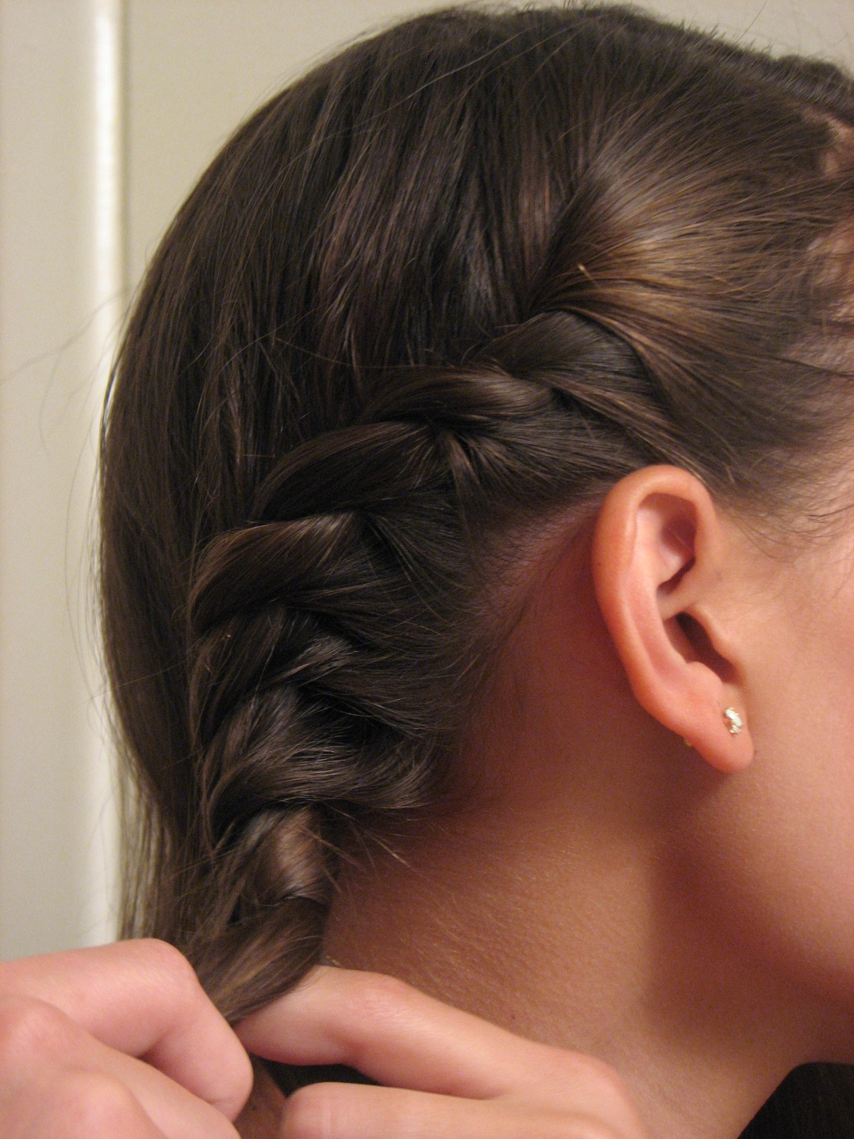 Hair Tutorial: Hair Twisting