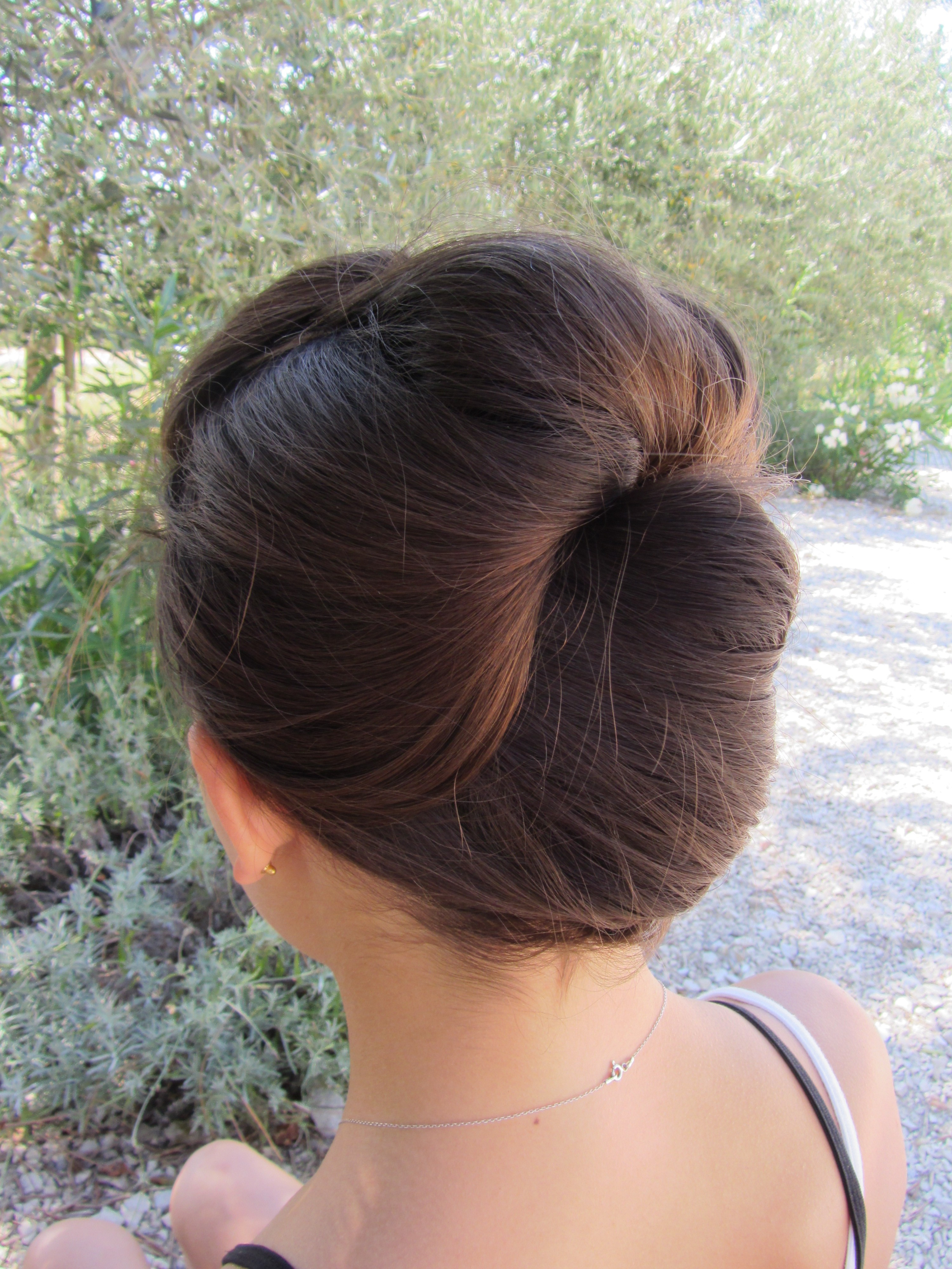 How to: Double poof french twist
